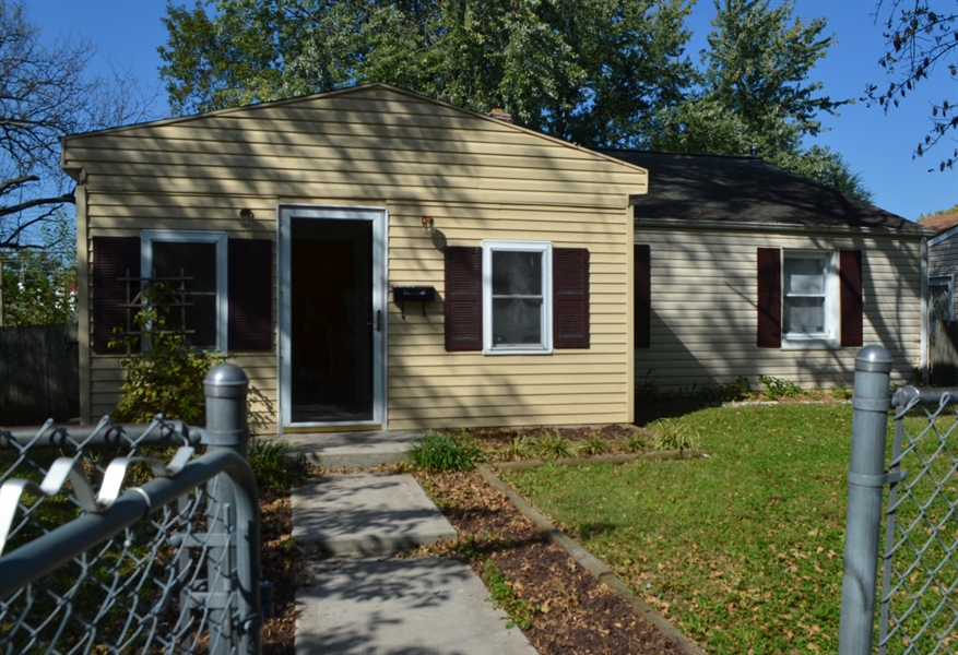 Real Estate Photography - 309 Howell Dr, New Castle, DE, 19720 - Welcome Home!