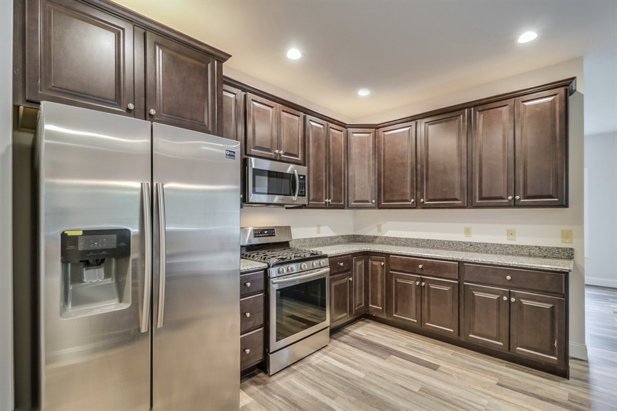 Real Estate Photography - 459 India Dr, Smyrna, DE, 19977 - Stainless Steel Apliances