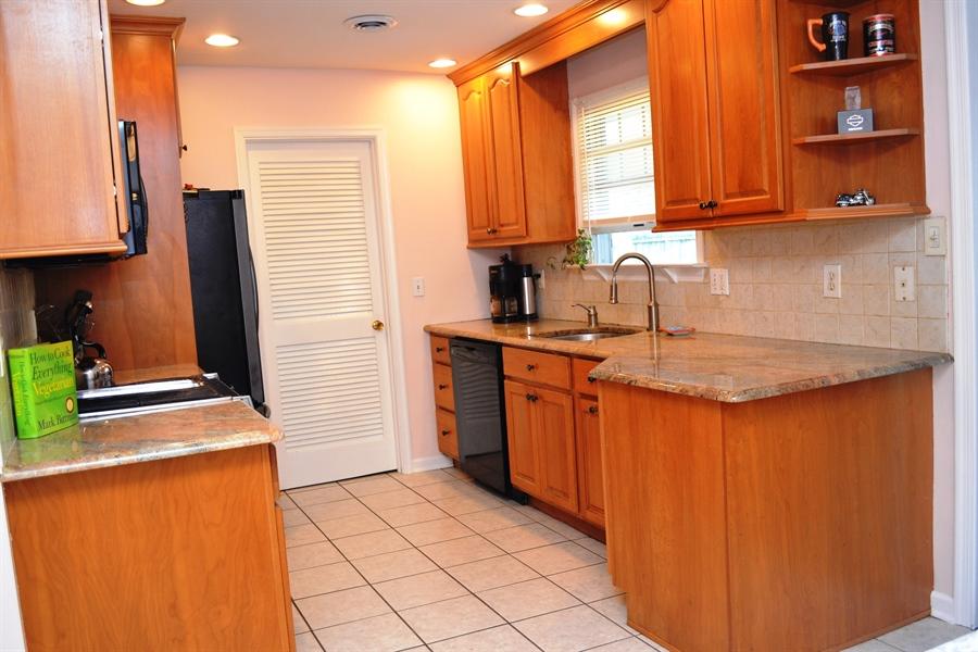 Real Estate Photography - 23 Dunbar Rd, Newark, DE, 19711 - Updated Kitchen w/New Appliances
