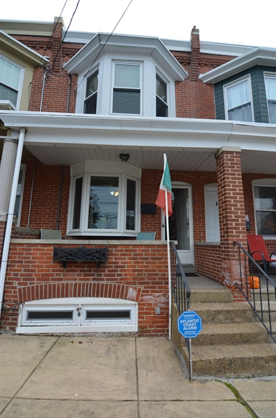 Real Estate Photography - 1832 W 11th St, Wilmington, DE, 19805 - Location 1