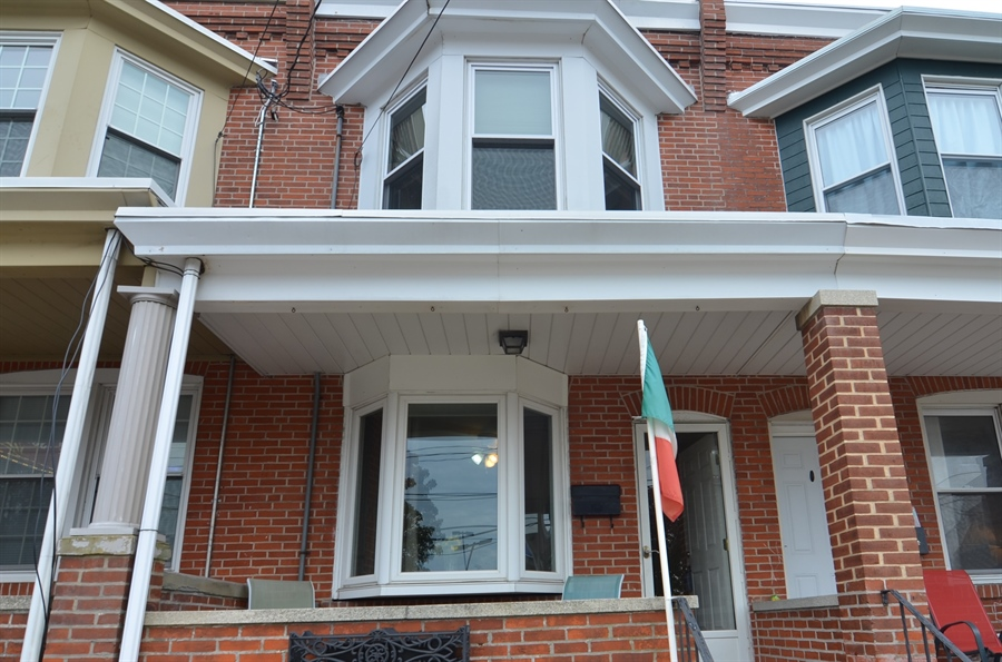 Real Estate Photography - 1832 W 11th St, Wilmington, DE, 19805 - Welcome!