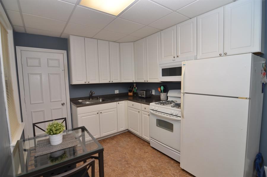 Real Estate Photography - 1832 W 11th St, Wilmington, DE, 19805 - Kitchen
