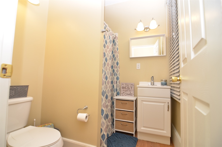Real Estate Photography - 1832 W 11th St, Wilmington, DE, 19805 - First Floor Full Bath