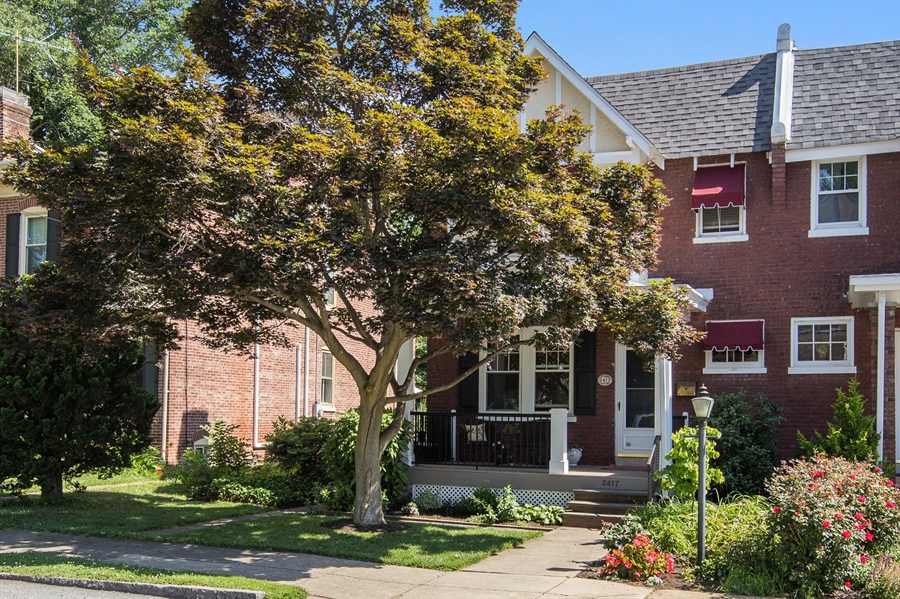 Real Estate Photography - 2417 W 18th St, Wilmington, DE, 19806 - Beautiful front yard maple tree!