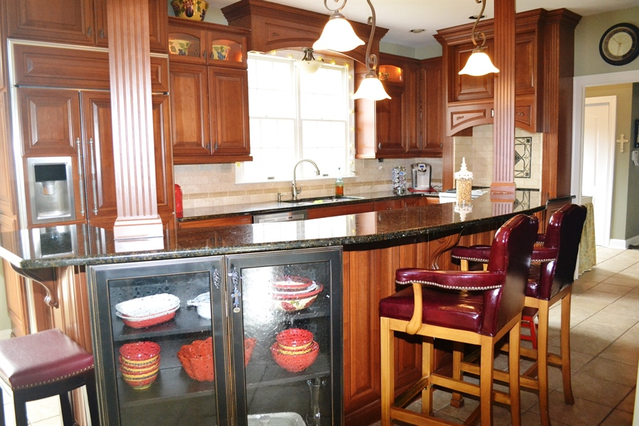 Real Estate Photography - 16 Withers Way, Hockessin, DE, 19707 - Custom Kitchen