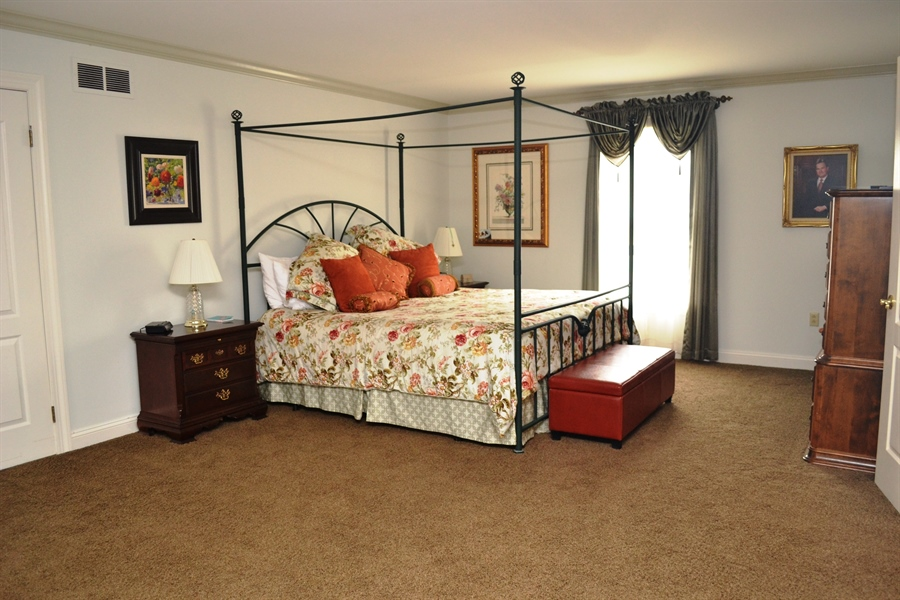 Real Estate Photography - 16 Withers Way, Hockessin, DE, 19707 - Owner's Bedroom w/Walk-in Closet
