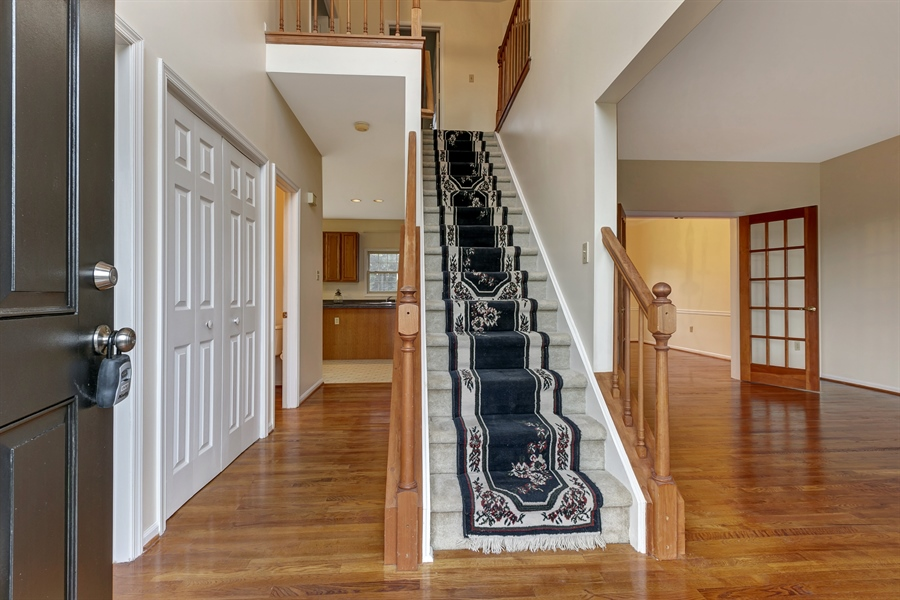 Real Estate Photography - 125 Brook Run, Hockessin, DE, 19707 - WELCOMING TWO STORY HARDWOOD ENTRY