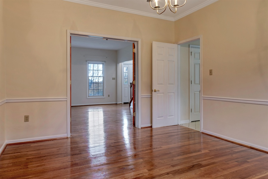 Real Estate Photography - 125 Brook Run, Hockessin, DE, 19707 - DINING ROOM WITH CROWN MOLDING