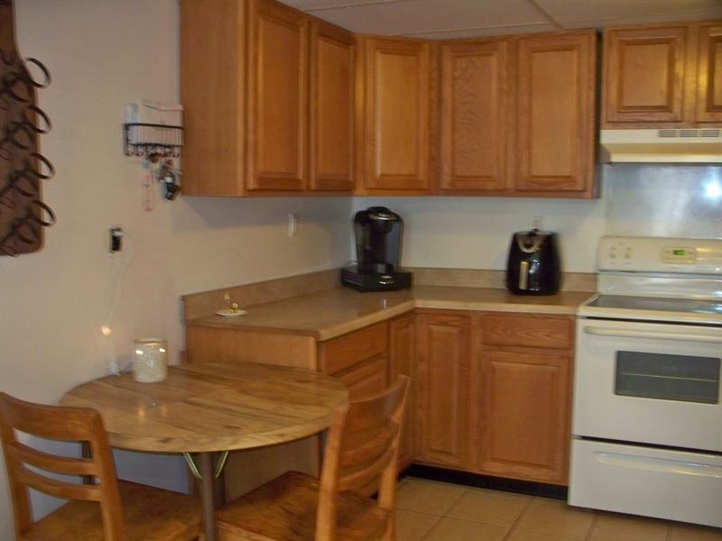 Real Estate Photography - 518 Cobble Creek Curv, Newark, DE, 19702 - Kitchen
