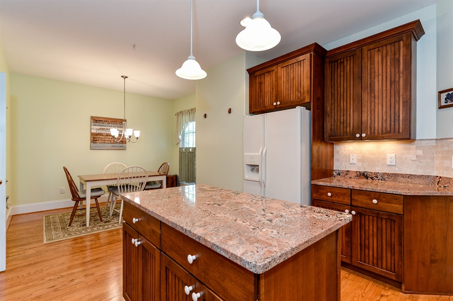 Real Estate Photography - 12 Briarcreek Ct, Newark, DE, 19711 - Appliances, bisque, are all included