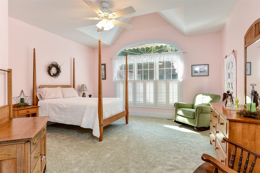 Real Estate Photography - 12 Briarcreek Ct, Newark, DE, 19711 - Master Suite, 18 x 15, high ceiling, lots of light