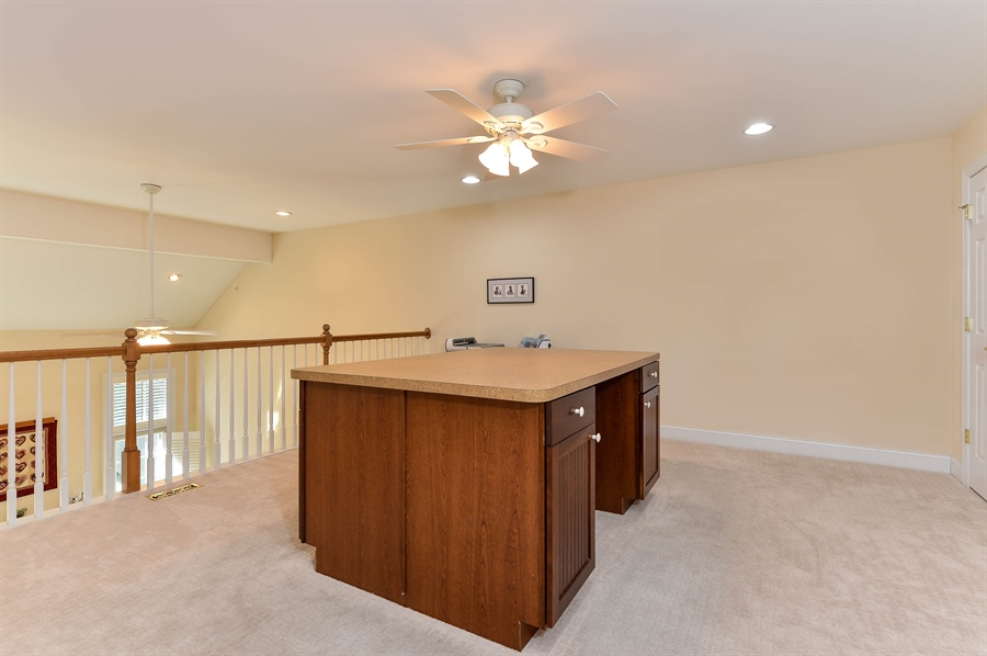 Real Estate Photography - 12 Briarcreek Ct, Newark, DE, 19711 - Loft: 6 x 4 island, included but not attached