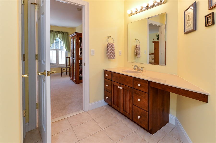 Real Estate Photography - 12 Briarcreek Ct, Newark, DE, 19711 - Upstairs bath with direct access from bedroom