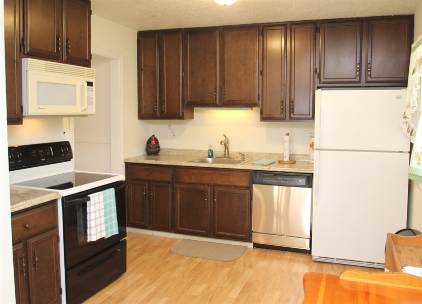 Real Estate Photography - 2512 Oldfield Point Rd, Elkton, MD, 21921 - Kitchen