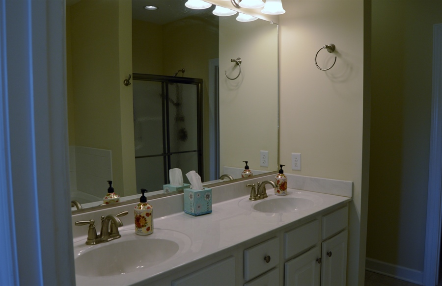 Real Estate Photography - 24593 Hollytree Cir, Georgetown, DE, 19947 - Master bathroom