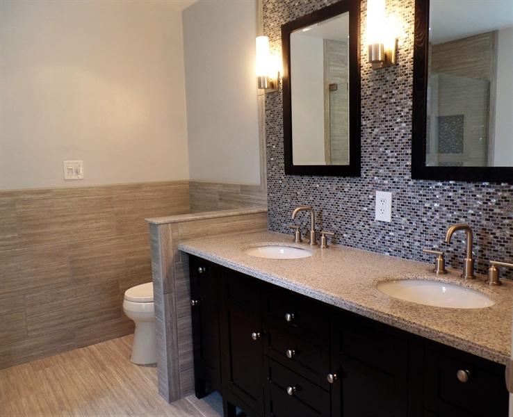 Real Estate Photography - 50 Willow Creek Ln, Newark, DE, 19711 - Master bathroom