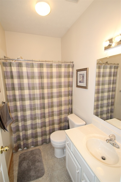 Real Estate Photography - 235 Thomas Jefferson Ter, Elkton, MD, 21921 - Main Level Full Bath