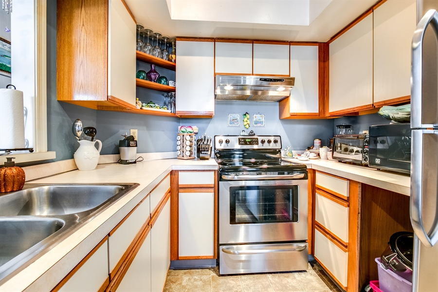 Real Estate Photography - 4907 Birch Cir, Wilmington, DE, 19808 - New stainless steel appliances