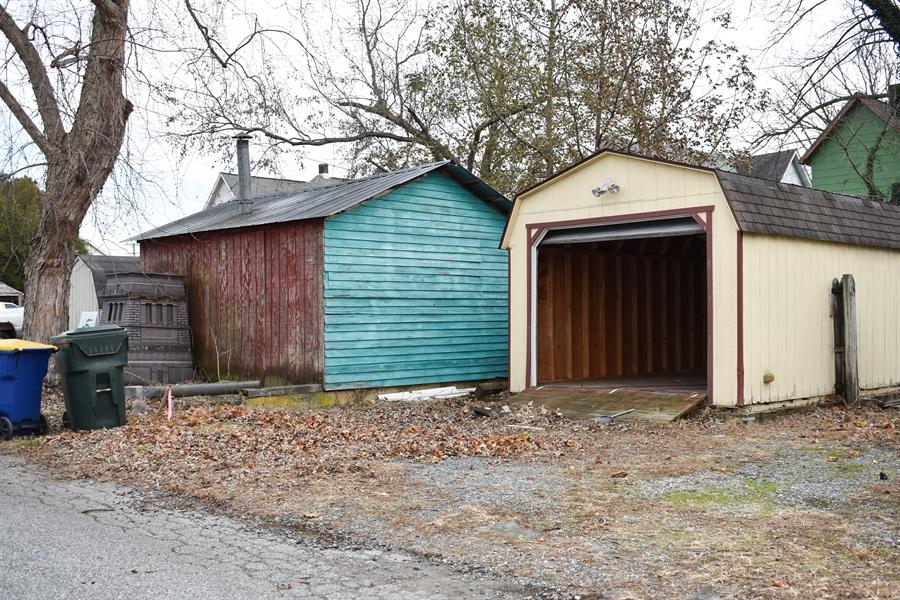 Real Estate Photography - 513 W Main Street, Clayton, DE, 19938 - Plenty of parking