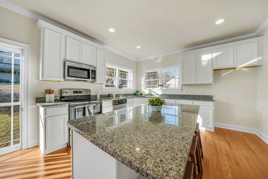 Real Estate Photography - 2302 Spruce Ave, # B, Wilmington, DE, 19808 - Location 17