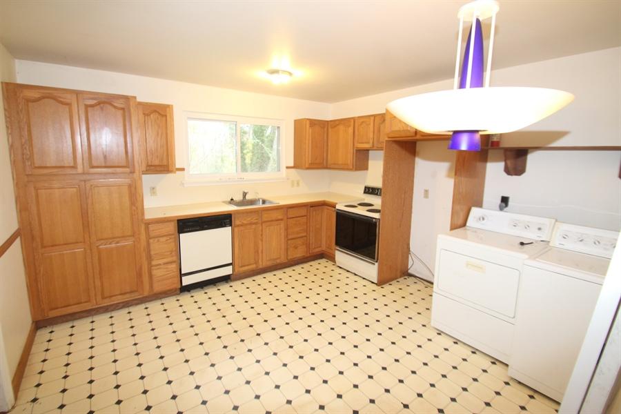 Real Estate Photography - 817 Devon Dr, Newark, DE, 19711 - Kitchen