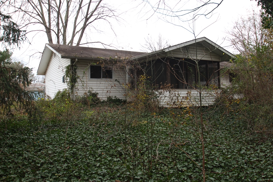 Real Estate Photography - 817 Devon Dr, Newark, DE, 19711 - Rear of home
