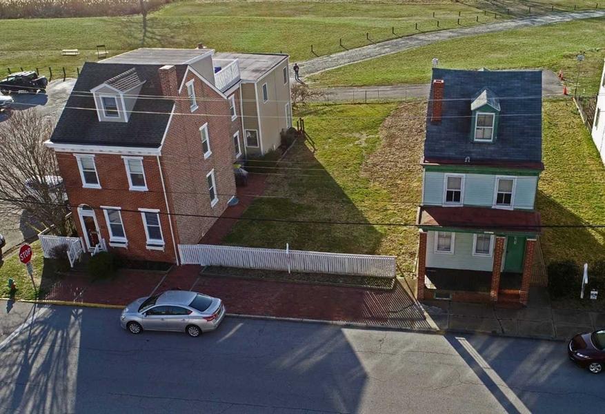 Real Estate Photography - 161 E 2nd St, New Castle, DE, 19720 - Location 13