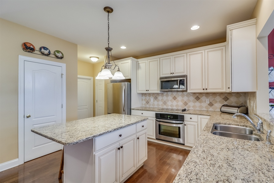 Real Estate Photography - 245 Wickerberry Dr, Middletown, DE, 19709 - Kitchen