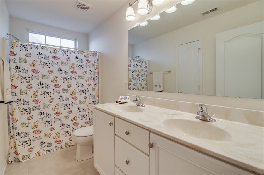 Real Estate Photography - 245 Wickerberry Dr, Middletown, DE, 19709 - Hall Bathroom
