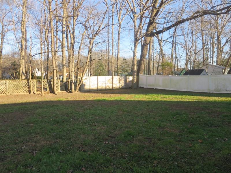Real Estate Photography - 133 Meetinghouse Ln, Dover, DE, 19904 - Spacious yard