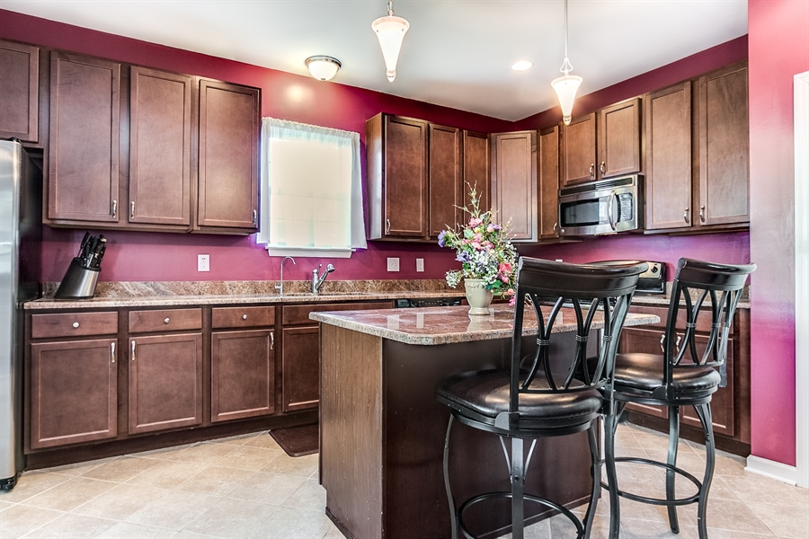 """Real Estate Photography - 103 Harker Ave, Wilmington, DE, 19803 - 42"""" Cabinets"""