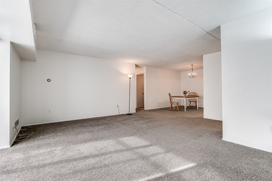 Real Estate Photography - 72 Welsh Tract Road #201, 201, Newark, DE, 19713 - Spacious And Open!
