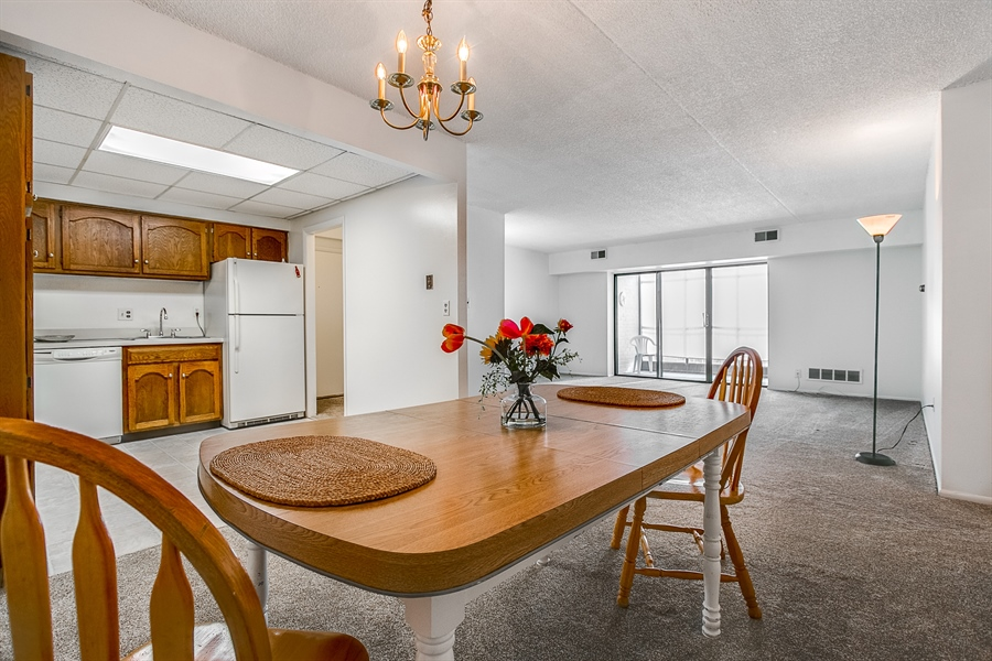 Real Estate Photography - 72 Welsh Tract Road #201, 201, Newark, DE, 19713 - Another Dining Area View