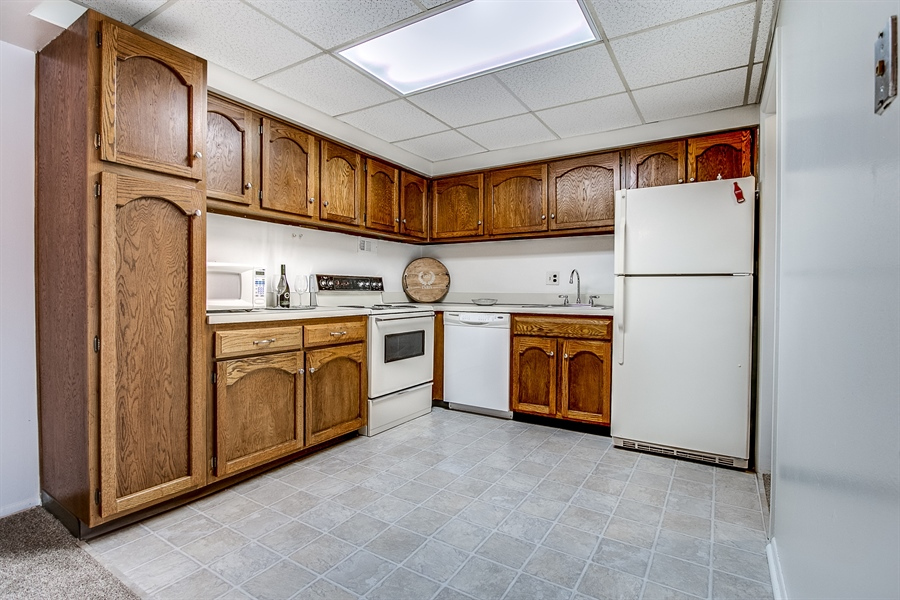 Real Estate Photography - 72 Welsh Tract Road #201, 201, Newark, DE, 19713 - Another Kitchen View