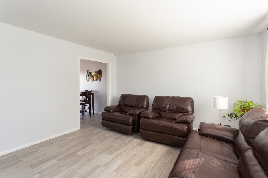 Real Estate Photography - 8 Edgewood Ave, New Castle, DE, 19720 - Living Room