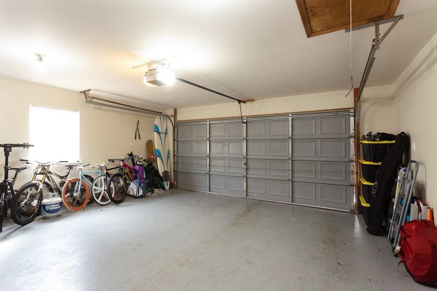 Real Estate Photography - 8 Edgewood Ave, New Castle, DE, 19720 - Garage