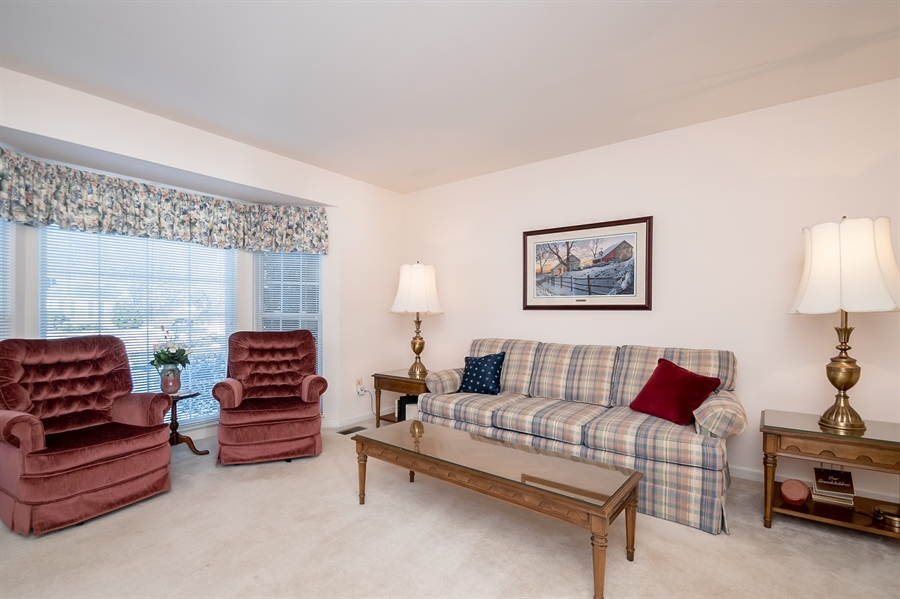 Real Estate Photography - 340 Jessica Dr, Middletown, DE, 19709 - Lovely Living Room w Bay Window