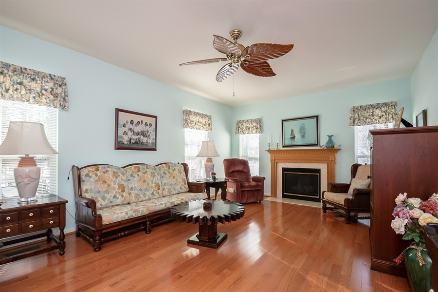 Real Estate Photography - 340 Jessica Dr, Middletown, DE, 19709 - Spacious Family Room w Gas Fireplace