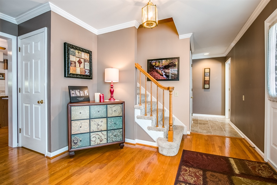 Real Estate Photography - 307 Charleston Dr, Wilmington, DE, 19808 - Large Foyer
