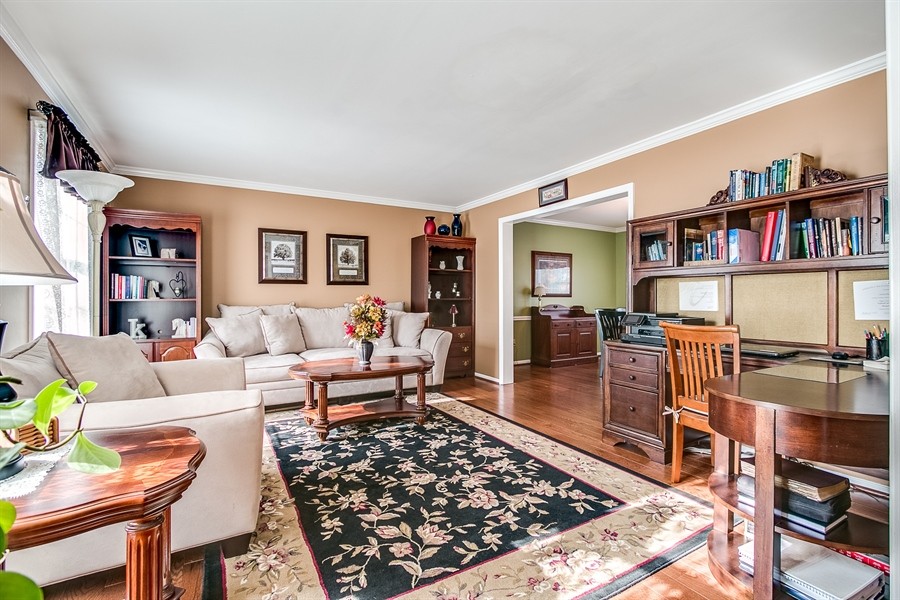 Real Estate Photography - 307 Charleston Dr, Wilmington, DE, 19808 - Entertain in the Living Room