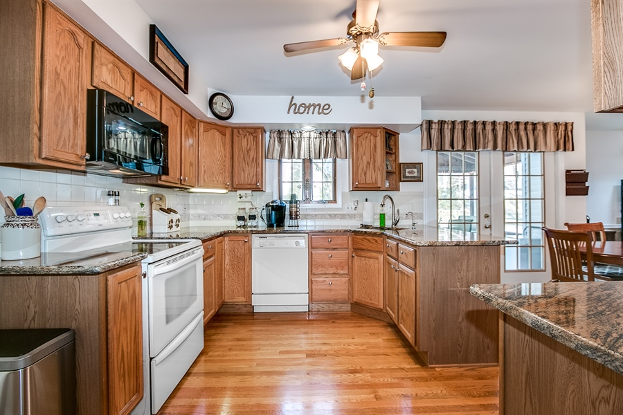 Real Estate Photography - 307 Charleston Dr, Wilmington, DE, 19808 - Kitchen is Updated
