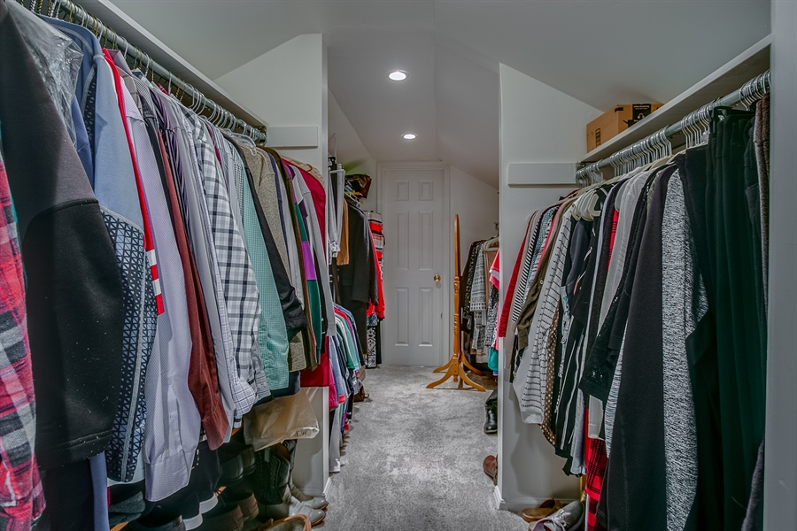 Real Estate Photography - 307 Charleston Dr, Wilmington, DE, 19808 - Huge Closet