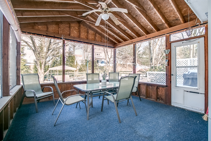 Real Estate Photography - 307 Charleston Dr, Wilmington, DE, 19808 - Screened Porch