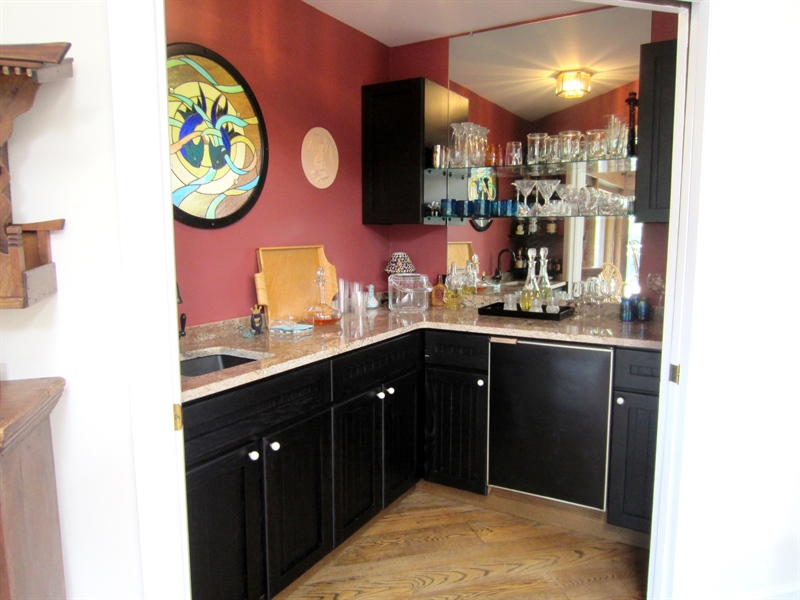 Real Estate Photography - 465 Polly Drummond Hill Rd, Newark, DE, 19711 - Wet bar attached to great room