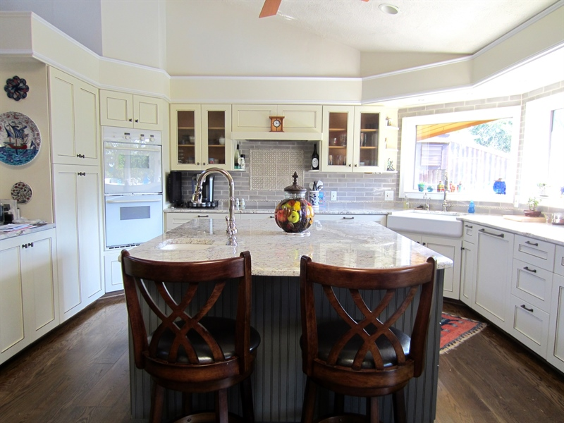Real Estate Photography - 465 Polly Drummond Hill Rd, Newark, DE, 19711 - Kitchen with granite, nice appliances, and island