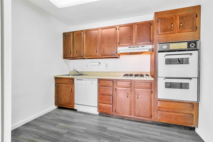 Real Estate Photography - 1401 Pennsylvania Avenue #1414, 1414, Wilmington, DE, 19806 - Efficient Kitchen.