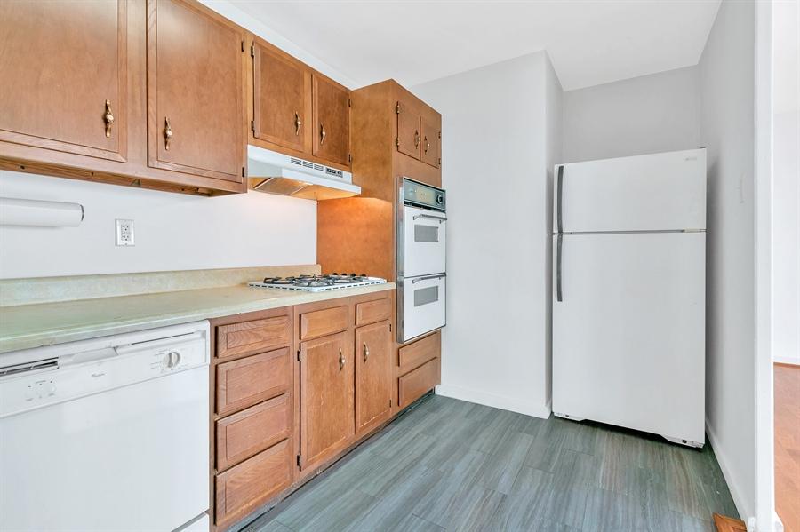 Real Estate Photography - 1401 Pennsylvania Avenue #1414, 1414, Wilmington, DE, 19806 - Ample Cabinet Space.