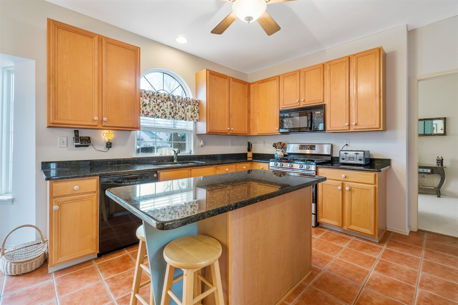 Real Estate Photography - 14 Dearborn Ln, Bear, DE, 19701 - Updated Kitchen w/Granite Counters