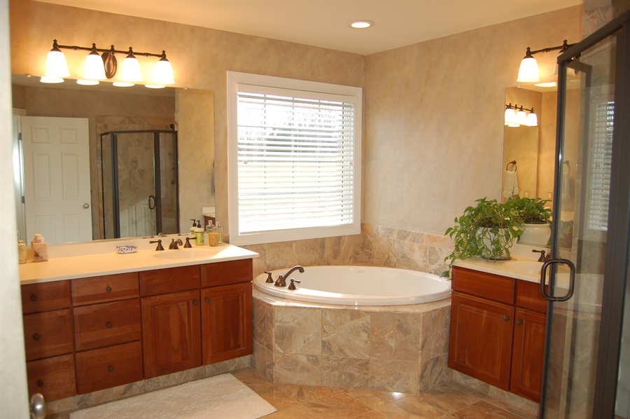 Real Estate Photography - 135 Portmarnock Dr, Avondale, PA, 19311 - Master Bathroom with Jacuzzi Tub