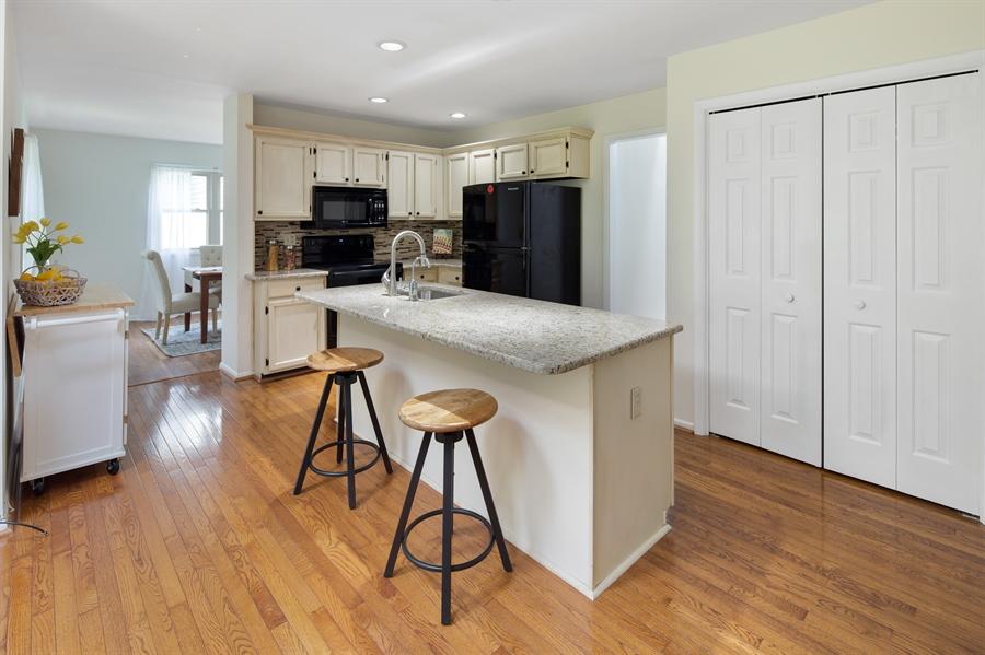 Real Estate Photography - 16 Woodshaw Rd, Newark, DE, 19711 - Kitchen